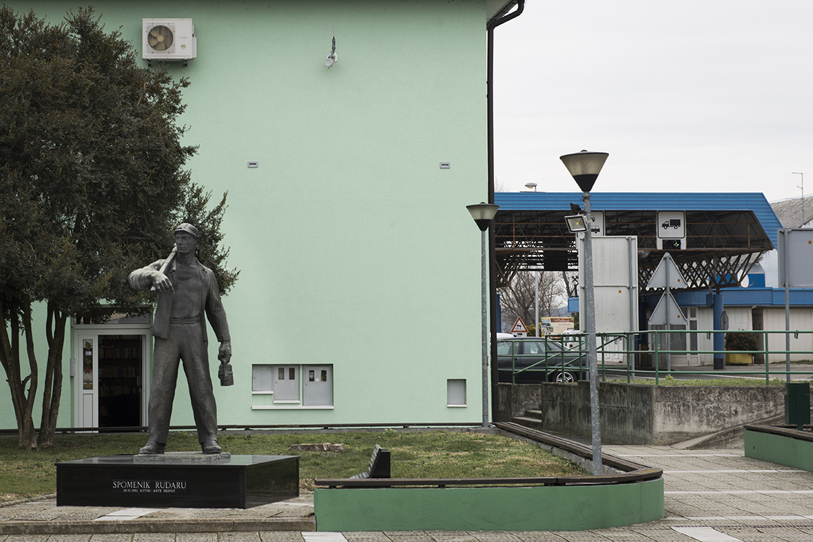 Mursko Središće (HR)/Petišovci (SLO) jugosavian monument for the colliers